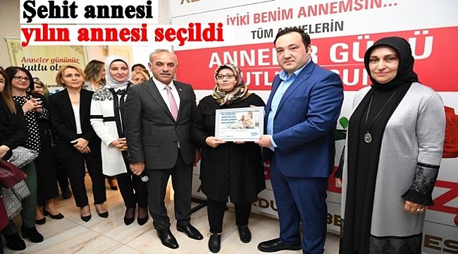 Yılın annesi seçilen Nurcan Kabakkaya'ya ödül verildi