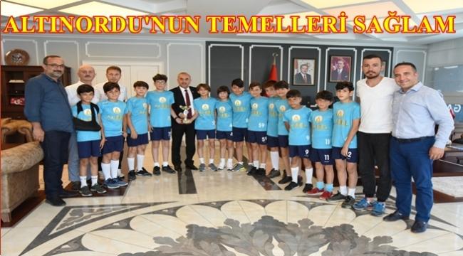 Şampiyon takım Başkan Tekintaş'ı ziyaret etti