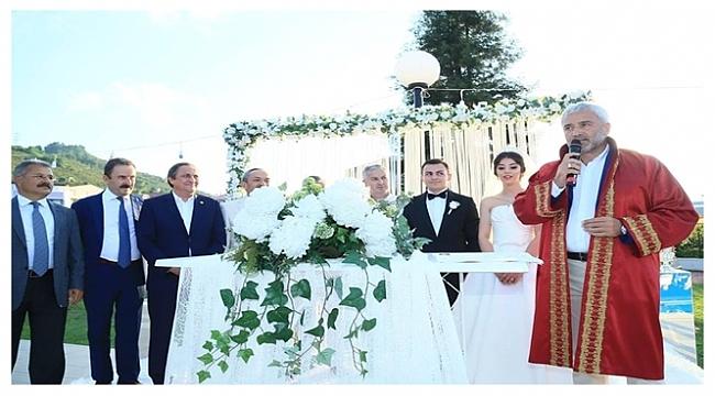 Nahide Tilbe Bilgihan ile Barış Candan evlendi