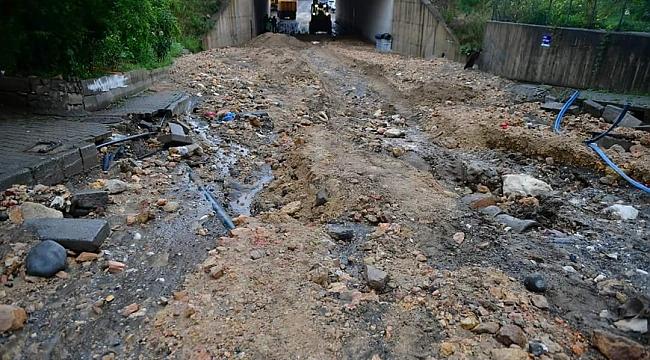 Yol çöktü 1 kişi öldü