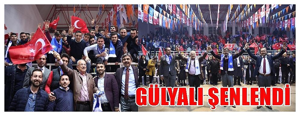 AK Partililer Gülyalı'da salona sığmadı