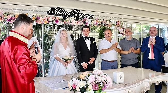 Betül ile Samet evlendi