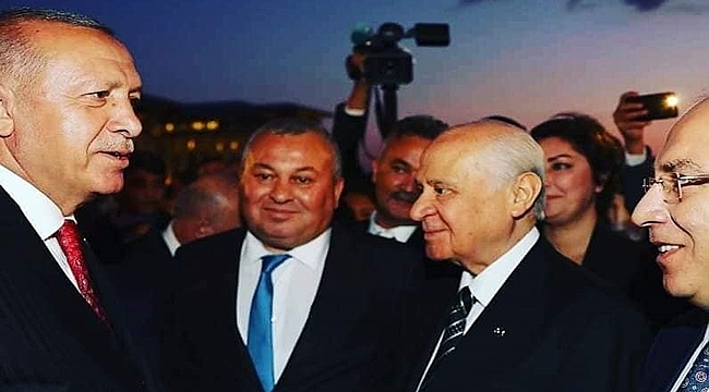 Enginyurt: Erdoğan ve Bahçeli'yle aynı karede yer almaktan onur duydum