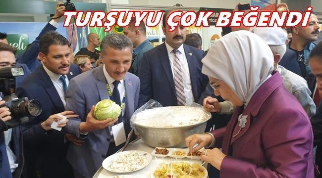 Emine Erdoğan'a Çambaşı Dürme Pancarı Turşusu İkram Edildi
