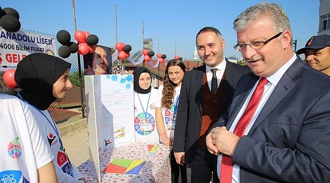 Bolaman Anadolu Lisesi'nde Tübitak 4006 Bilim Fuarı