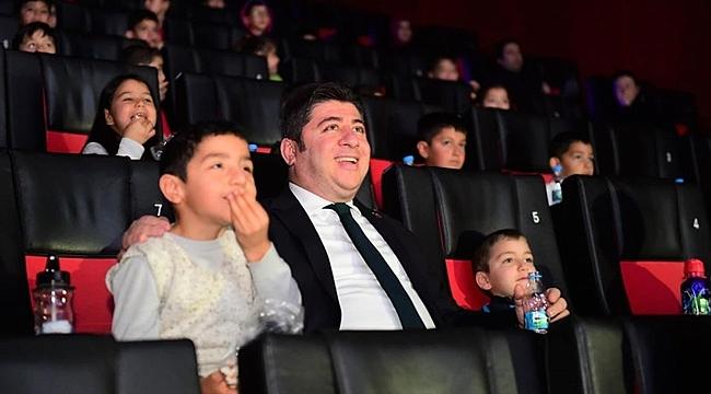 Altınordu Belediyesi küçükleri sinemayla buluşturdu