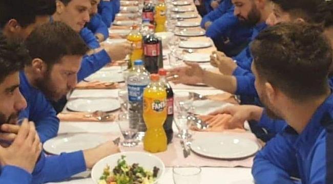 52 Orduspor'da yönetim ve futbolcular yemekte buluştu