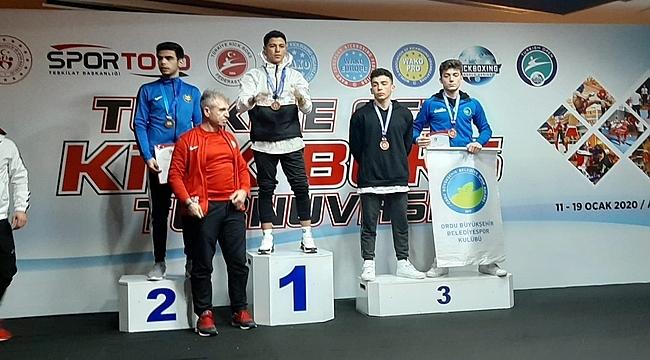 Efe Güven Türkiye 3. oldu