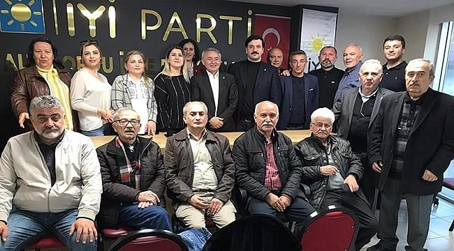 İyi Parti Altınordu Yönetimi Görev Bölümü Yaptı