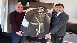 Milletvekili Enginyurt'tan Başkan Tepe'ye anlamlı hediye
