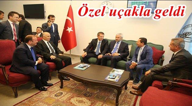 CANİKLİ'Yİ HAVALİMANINDA KARŞILADIRLAR